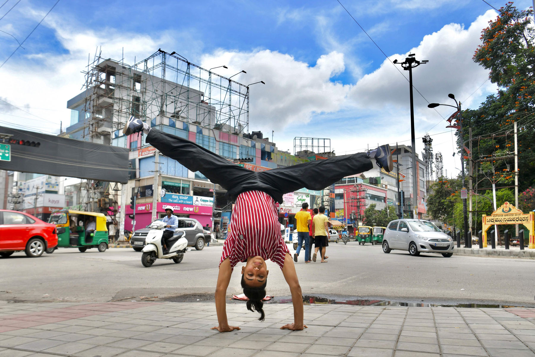 INDIA BREAK DANCING GENDER YOGA